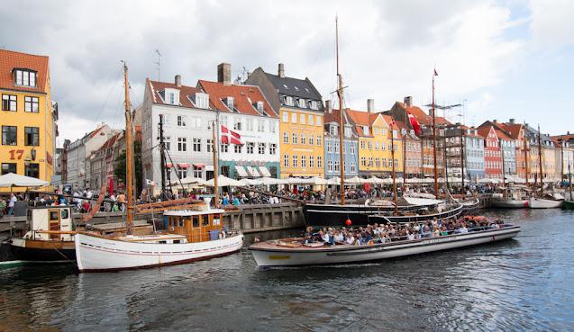 Canale Nyhavn-Copenhagen