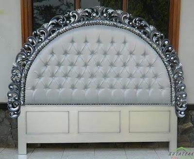 Rococo Mahogany Bed in Antique Silver Finish Arjumei