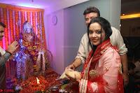 Sachin Tendulkar with his wife at Mata ka Jagrata hosted by Anu Malik 27.JPG