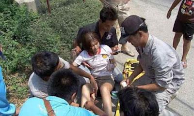 Tolong Gadis Seksi yang Kecelakaan, Pria Ini Kena Hujatan Di Medsos