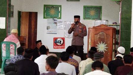 Pererat Silaturahmi, Kapolsek Galsel Kunjungi Jamaah Masjid Muhammadiyah Galesong