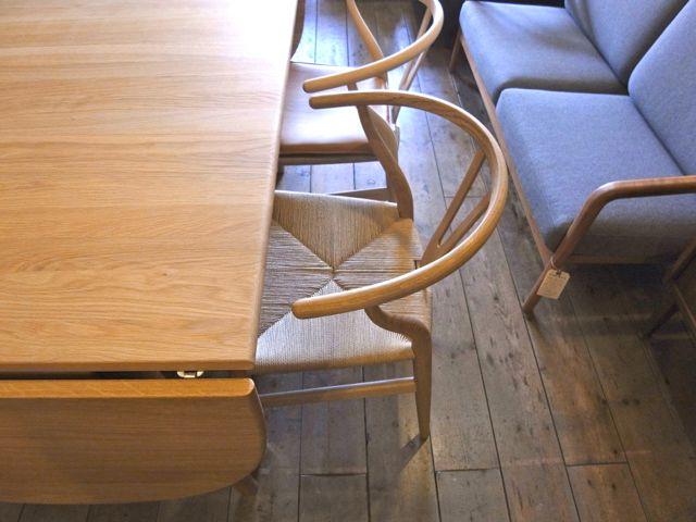 カールハンセン&サンはハンスJ.ウェグナーのデザインで有名なCH24(Yチェア)を製作するデンマーク家具メーカー