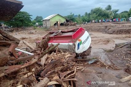 Banjir Bandang di NTT, 128 Orang Dilaporkan Tewas