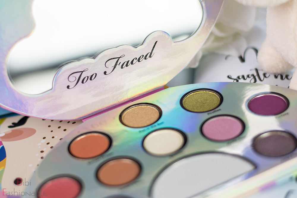 Too Faced Life's a Festival Ethereal Eye Shadow Highlighter Palette offen Deckel