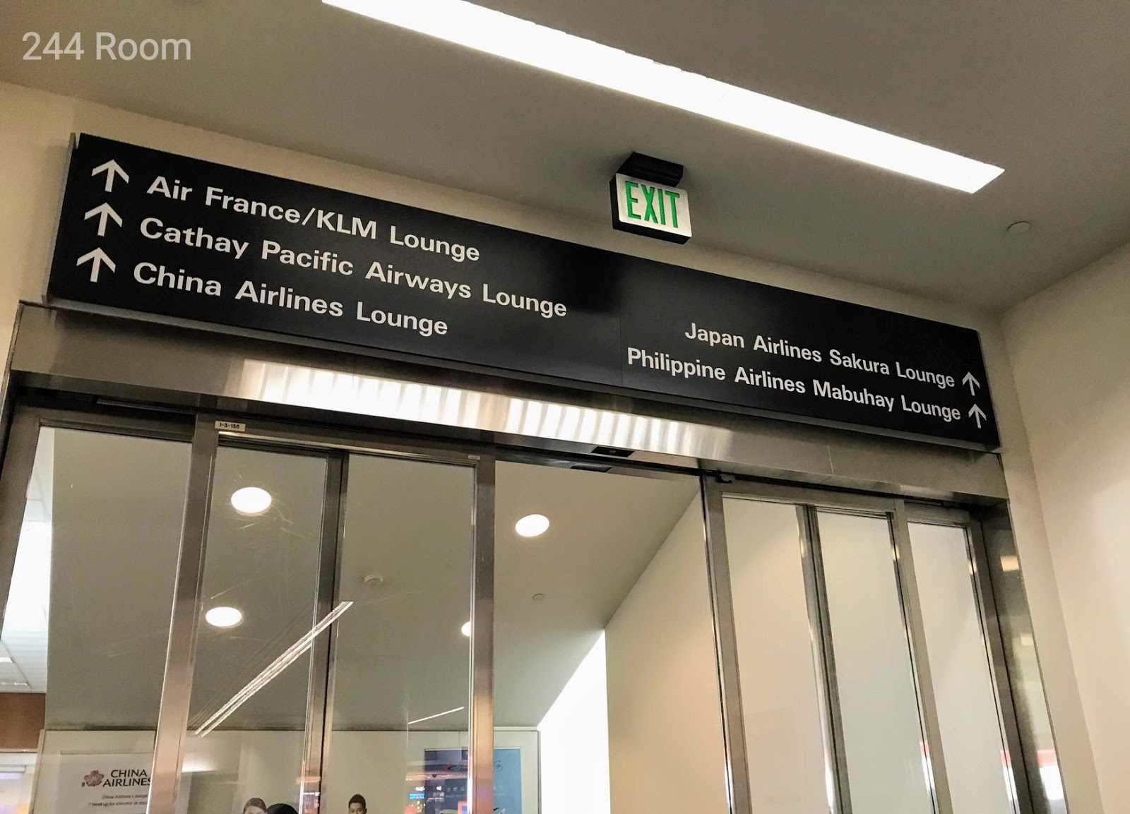 SFO Lounge entrance