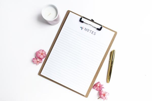 flatlay-prancheta-de-notas-escrever-redação-ene,