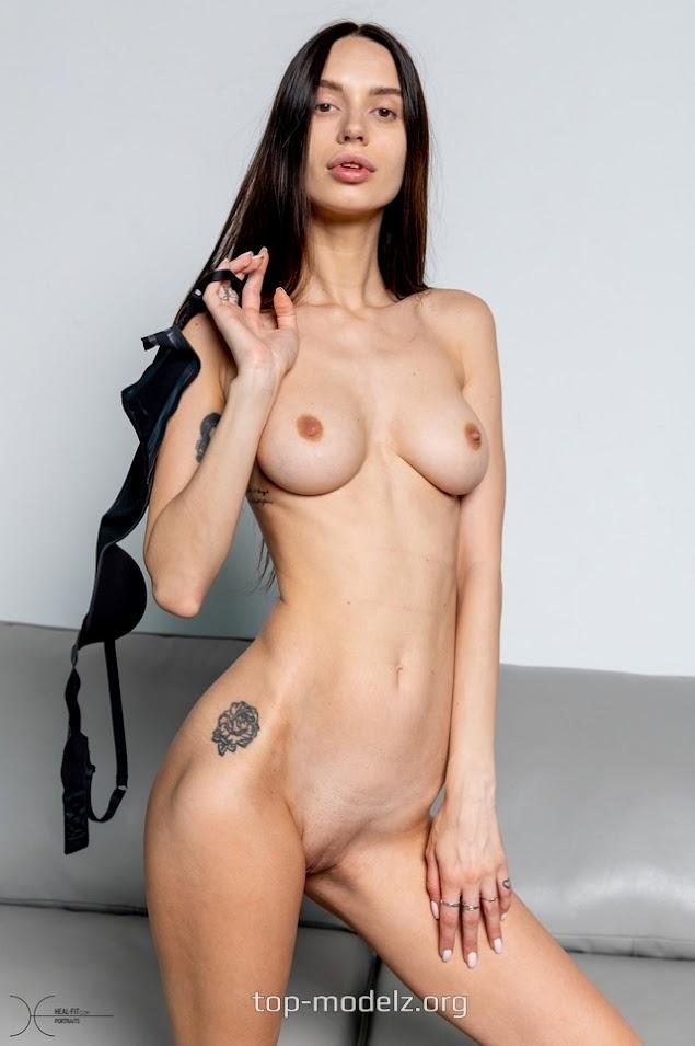 [Heal-Fit] Ludmilla - Rock Chick Girl 1610562626_ludmilla