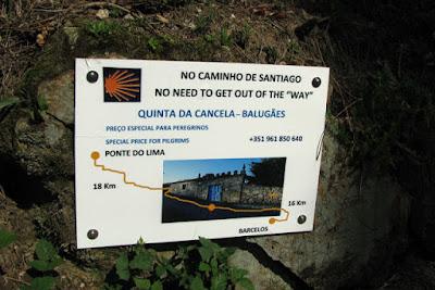 placa de publicidade da Quinta da Cancela, no Caminho de Santiago