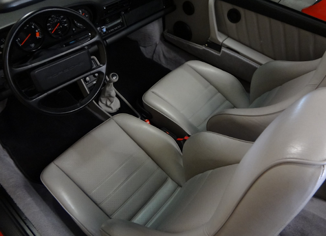 foto interior modif 1989 Porsche 911 Carrera 2