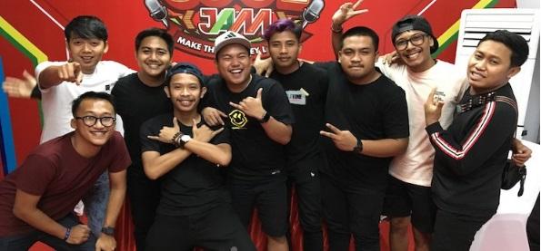 Asyik, Hari ini Grup Musik Guyon Waton hibur Masyarakat Ponorogo sambil bedah Program Prioritas Ipong – Bambang
