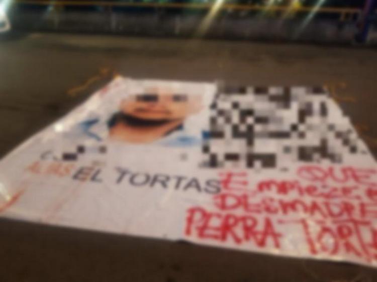 """Fotos, Aparecen restos de dos cuerpos en la zona de Tlatelolco y narcomanta amenazando a """"El Tortas""""."""