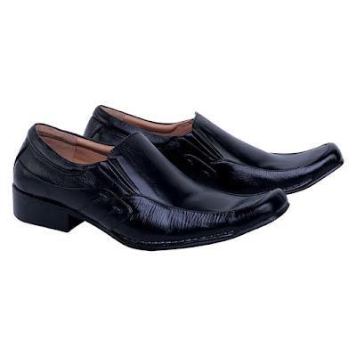Sepatu Pantofel Pria Catenzo DF 006