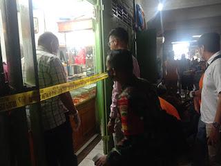 BREAKING NEWS: Dua Toko Mas di Simpang Limun Dirampok 4 Pria Bersenjata Api