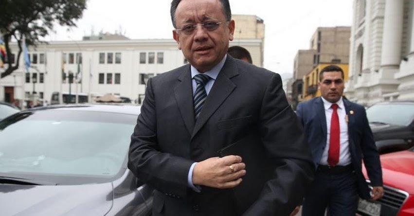 VERGONZOSO: Comisión de «Ética» del Congreso archiva denuncia contra Edgar Alarcón por pedir información de auditores de Contraloría