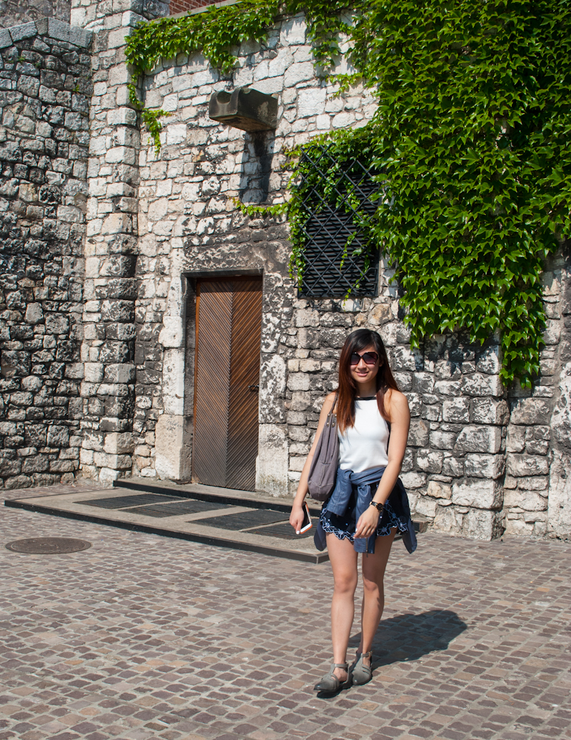 Summer outfit in Kraków, Poland featuring river island top and sheinside shorts and shoes