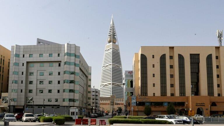 السعودية-أول-انخفاض-لحصيلة-الإصابات-اليومية-بكورونا-منذ-نحو-أسبوعين