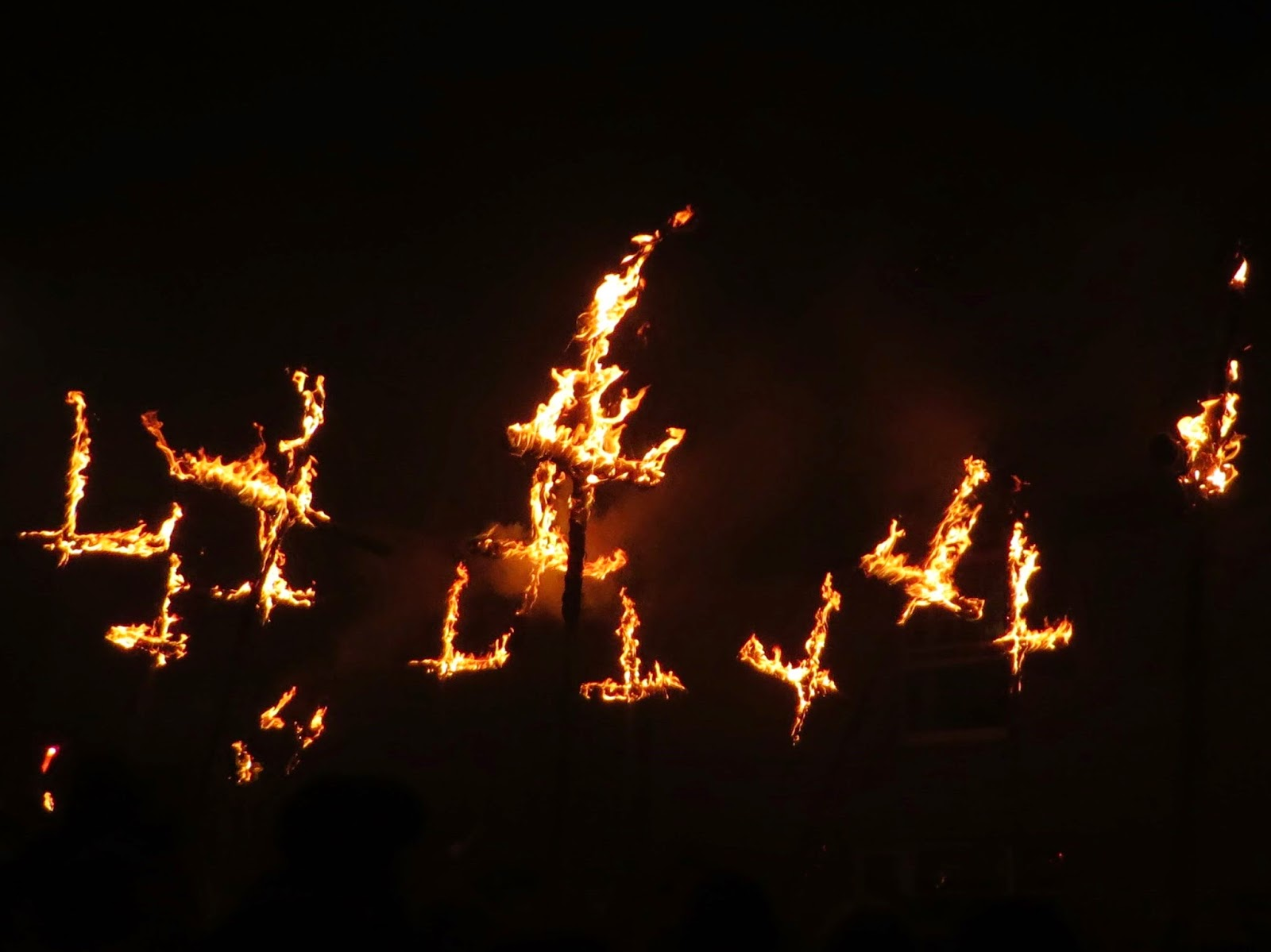 Lewes bonfire night, lewes bonfire procession, the fifth, 5th november, Guy Fawkes night, fire, torches, Lewes, Sussex, flaming torch, must do, Lewes burning crosses
