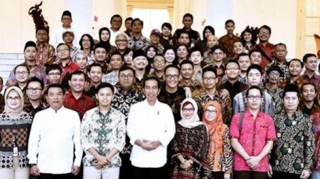 Geger Foto Jokowi dan Abu Janda cs, Rocky Gerung: Buzzer Itu Budak Politik!