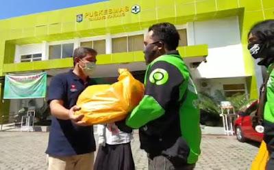 Komunitas Ojol Mataram Salurkan Bantuan APD ke Petugas Medis