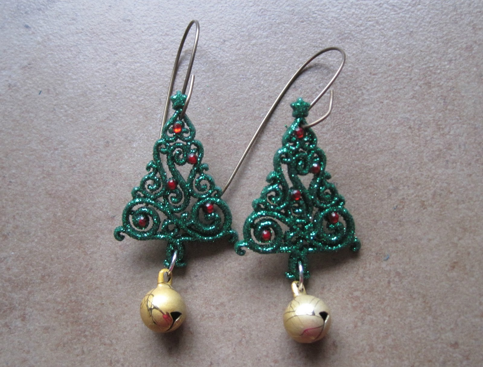 Sue Beads: The Tacky Earring Blog Hop