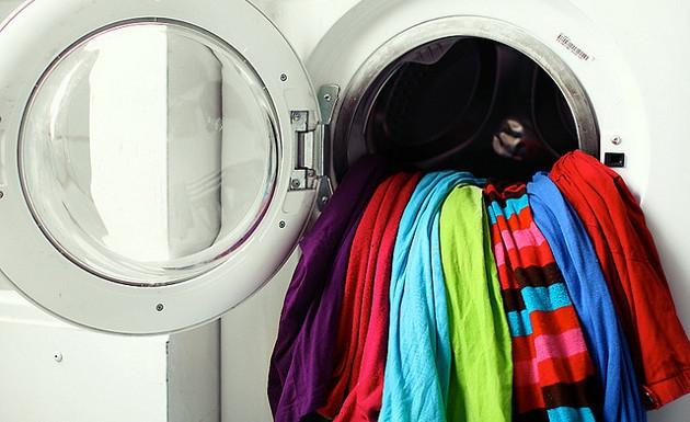 8 claves para lavar las prendas con detergente en polvo