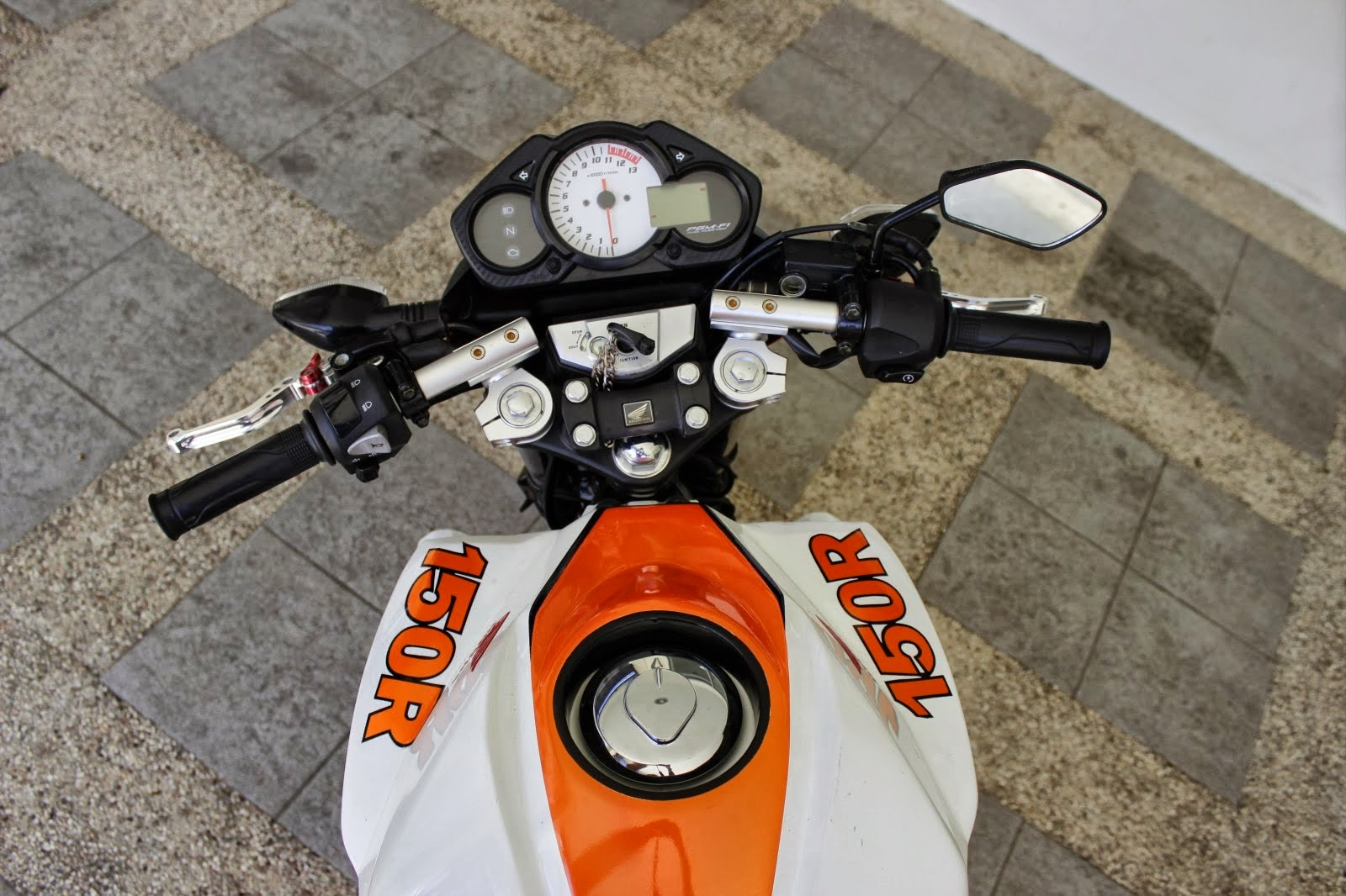 100 Modifikasi Motor Cbr 150 Velg 17 Modifikasi Motor Honda CB Terbaru