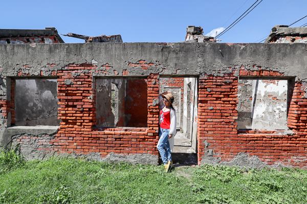 彰化線西蛤蜊兵營原是荒廢的老兵營舍,活化變成網美拍照打卡點