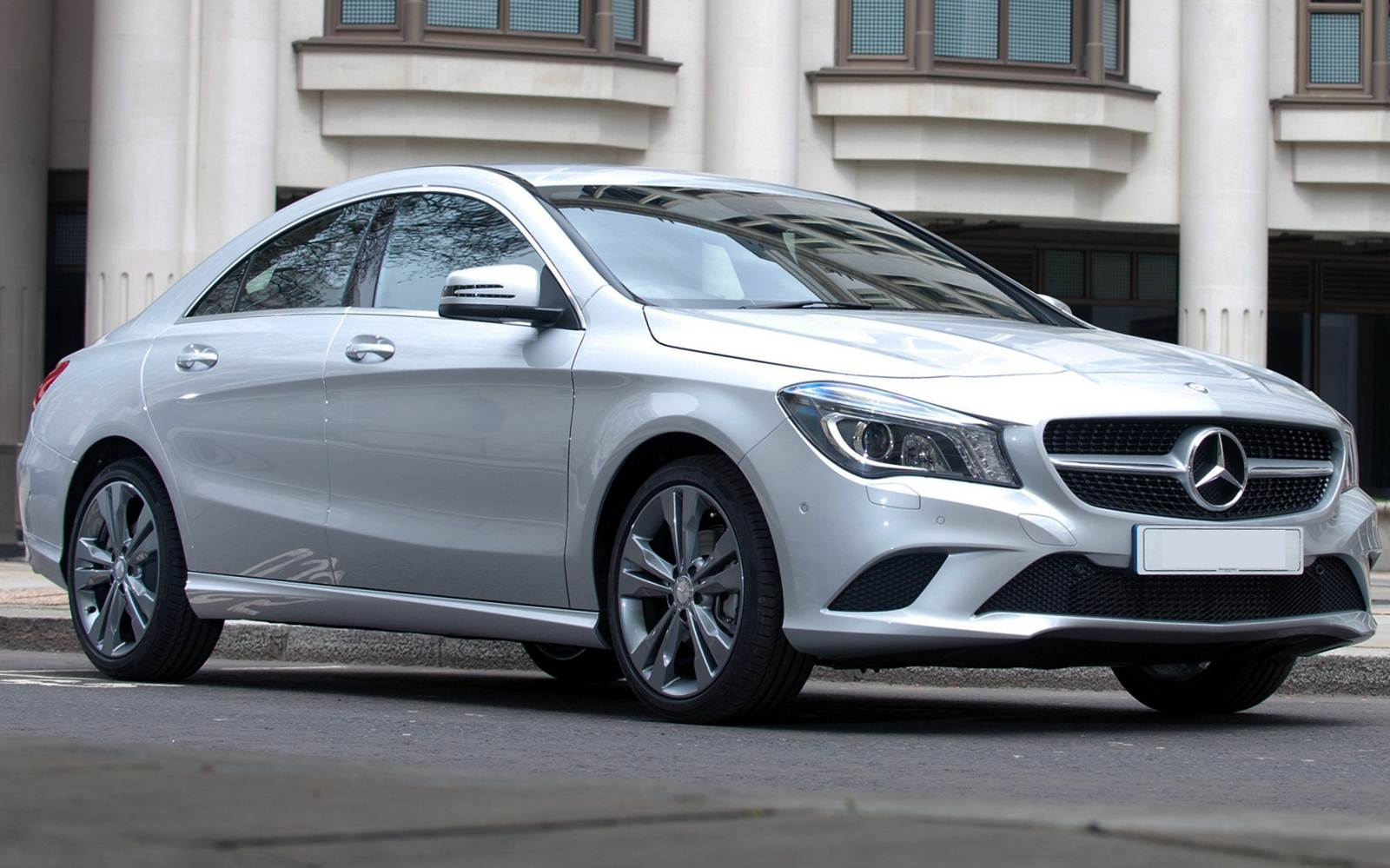 Mercedes cla 200 first edition pre o r 147 5 mil no for Mercedes benz brasil
