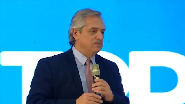 Fernández promete defender la universidad pública argentina