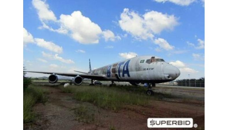 Avião cargueiro DC-8 que voou nas cores da Beta Cargo vai à leilão além de outros equipamentos | É MAIS QUE VOAR