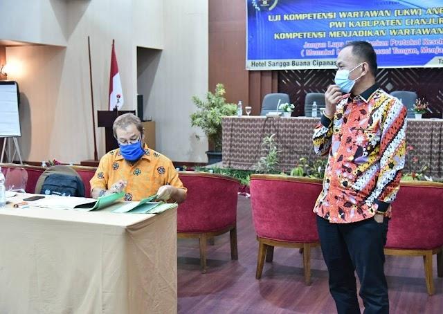 Wakil Ketua DPRD Jabar Apresiasi PWI Cianjur Gelar UKW, Hoak Harus Dilawan