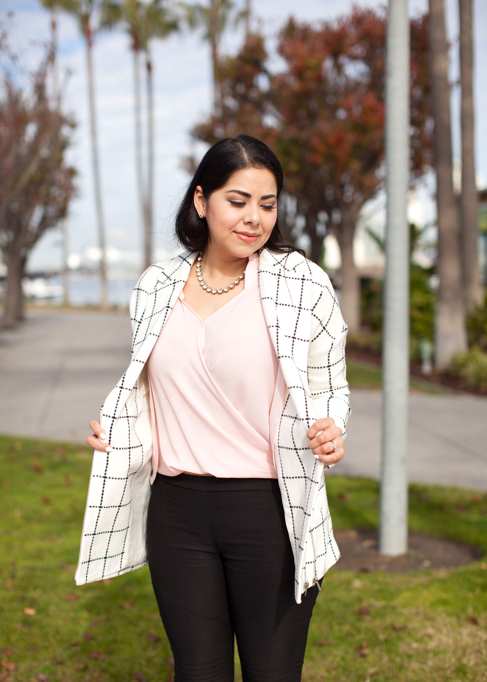 Blush pink top, beauty blogger in San Diego, latina blogger, coronado island fashion, latina fashion