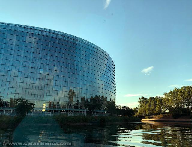 Parlamento Europeo en Estrasburgo | Alsacia y la Selva Negra en autocaravana