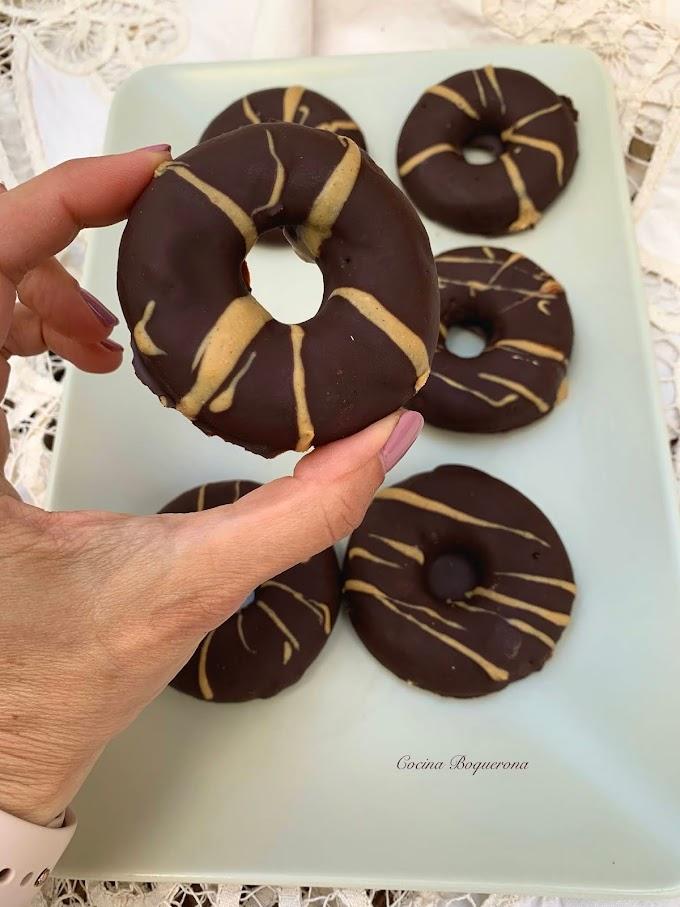 Donuts de boniato asado y chocolate