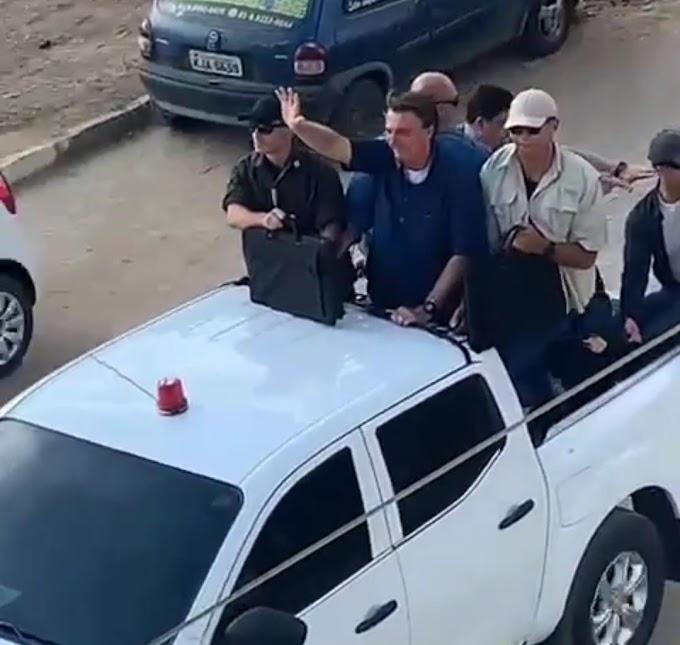 Bolsonaro faz carreata surpresa na cidade de Toritama