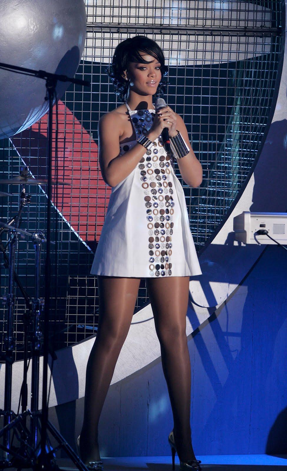 Rihanna In Pantyhose 110