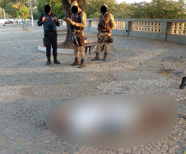 Barreiras-BA: Homem é encontrado morto no Cais da cidade; ele foi assassinado