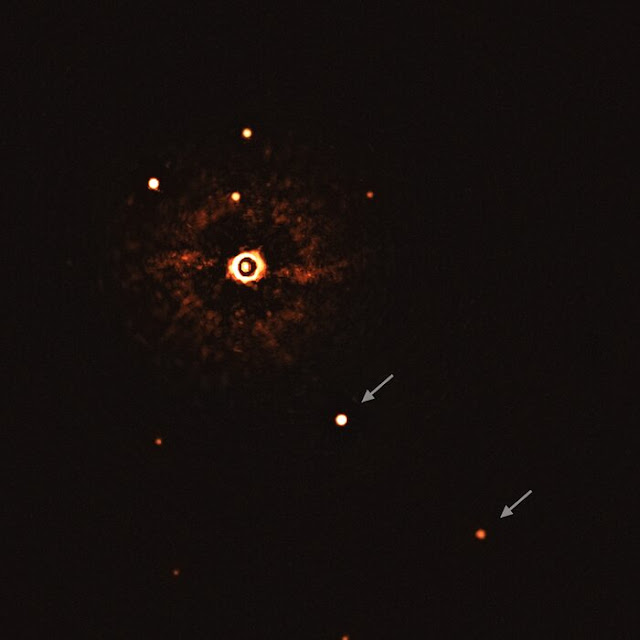 sistema Sistema TYC 8998-760-1 - primeira foto de sistema estrela e planetas