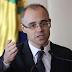 Bolsonaro oficializa indicação de André Mendonça ao STF; Senado precisa aprovar