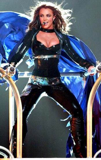 Foto de Britney Spear cantando en concierto