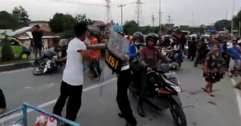 Tawuran Pecah di Medan, Gereja Dilempar Bom Molotov