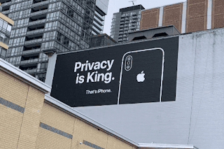 آبل تطلق لوحات خصوصية Genius للترويج لـ iPhone