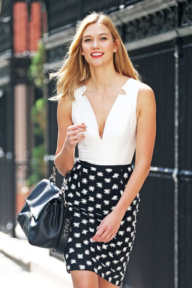 Karlie Kloss steps out in NYC in a stylish ensemble
