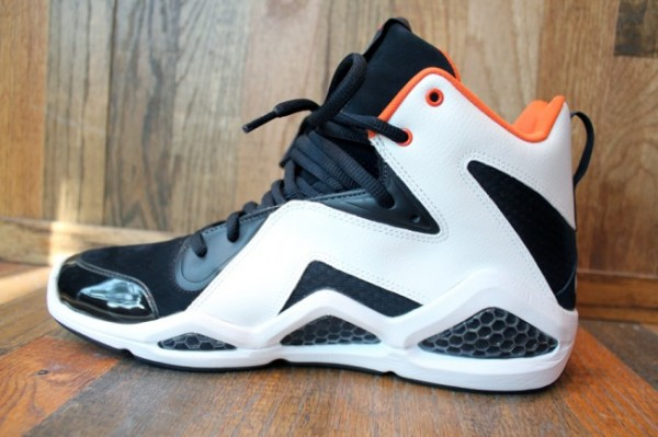 2a8e374248c9 Swizz Beatz teamed up with Reebok again and created the Kamikaze III s. They  were released today and selling out quickly. If you can cop a pair of these  ...