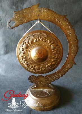 gong naga kuningan