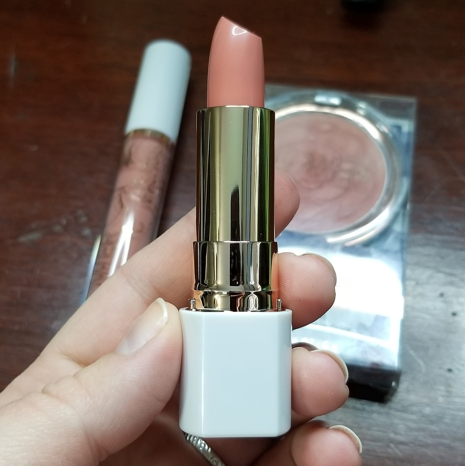 Lainamarie91 flower beauty reviews lipstick blush foundation brows flower pots powder blush ive been eyeing these blushes for awhile i mean just look at it its adorable i picked up warm hibiscus a rosey blush with a izmirmasajfo