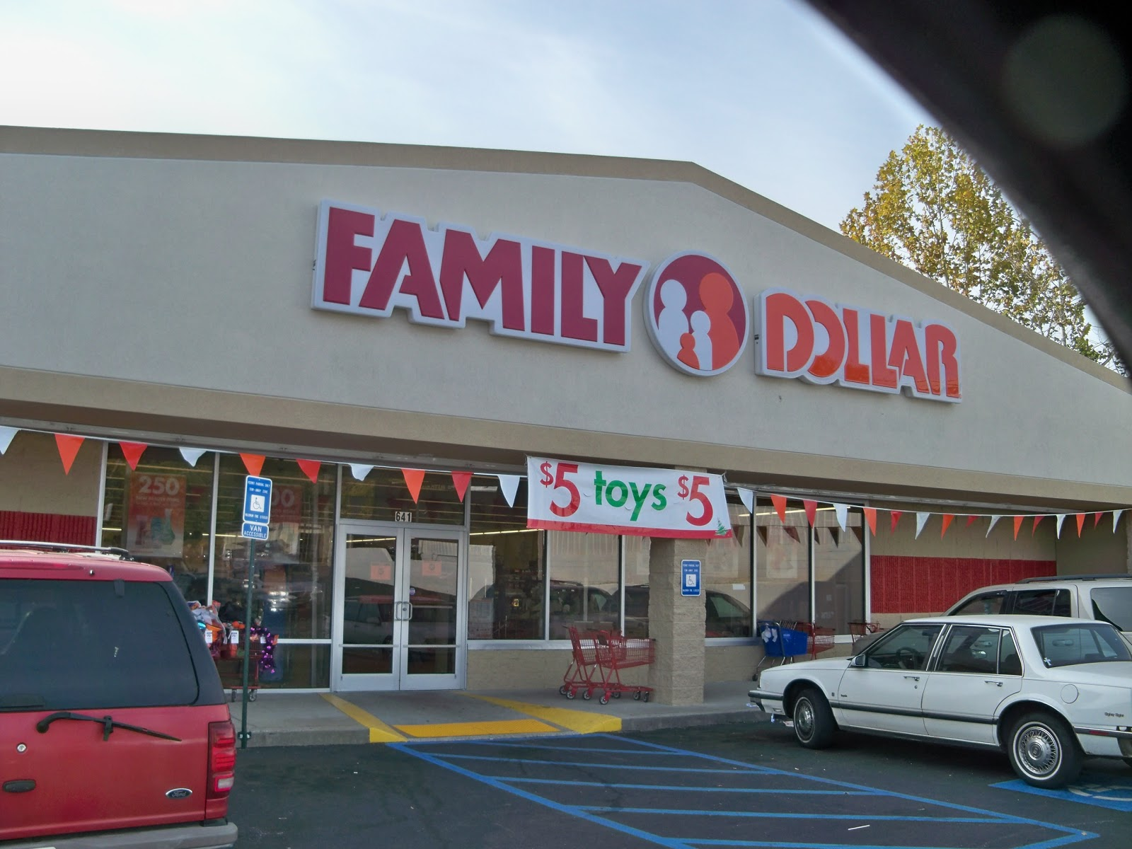 Family Dollar: Most Family Dollars are open on Christmas Day, some are open 24 hours while others have limited hours. Contact your local store for specific times. Starbucks: Besides picking up some coffee for the family, you can visit some Starbucks on Christmas Day to buy gifts like mugs, treats, and of course gift cards.
