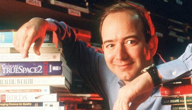 Jeff Bezos, fundador y director ejecutivo de Amazon en 1997