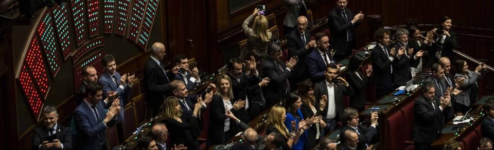 L 39 attivista a 5 stelle taglio numero dei parlamentari pd for Parlamentari numero