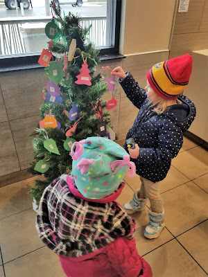 12 Ways to Spread Joy During the Holidays - Angel or Giving Tree